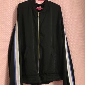 Active windbreaker jacket 😜